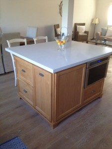 Smal-Kitchen-With-Island